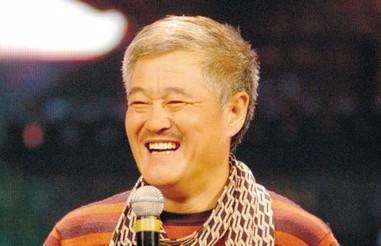 赵本山蛇年春晚与倪萍共舞 演绎《中奖了》