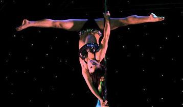 全球首部钢管舞剧《钢管上的精灵》津门首演