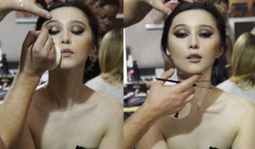 曝光二十大美女明星后台化妆照