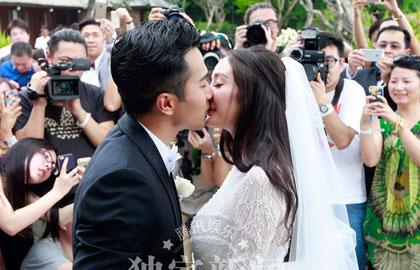 陈思诚佟丽娅刘恺威杨幂甜蜜拥吻 盘点明星婚礼之吻