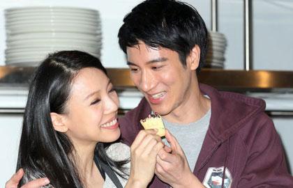王力宏和娇妻携手做甜点大秀恩爱
