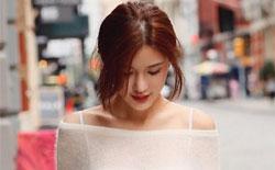 网红夏夏晒纽约街拍美照 衬衫诱惑秀美腿