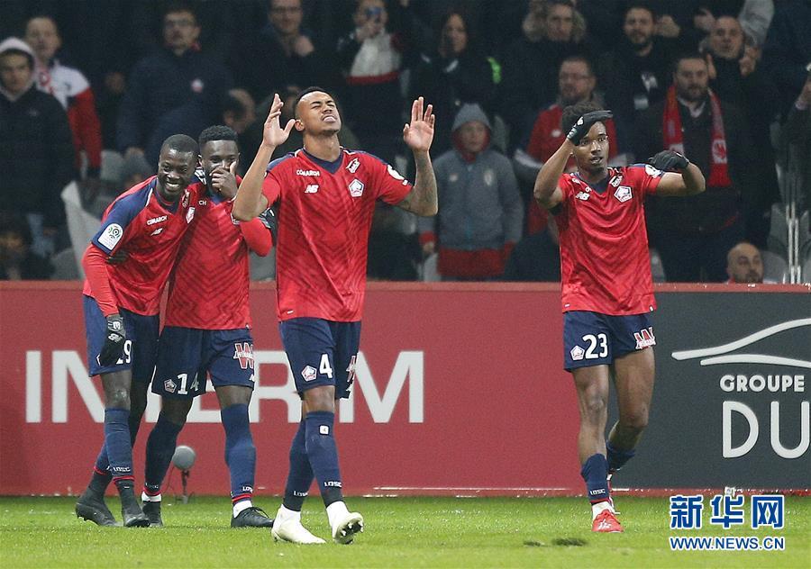 亚搏体育app网站巴黎圣日耳曼队球员姆巴佩在比赛中