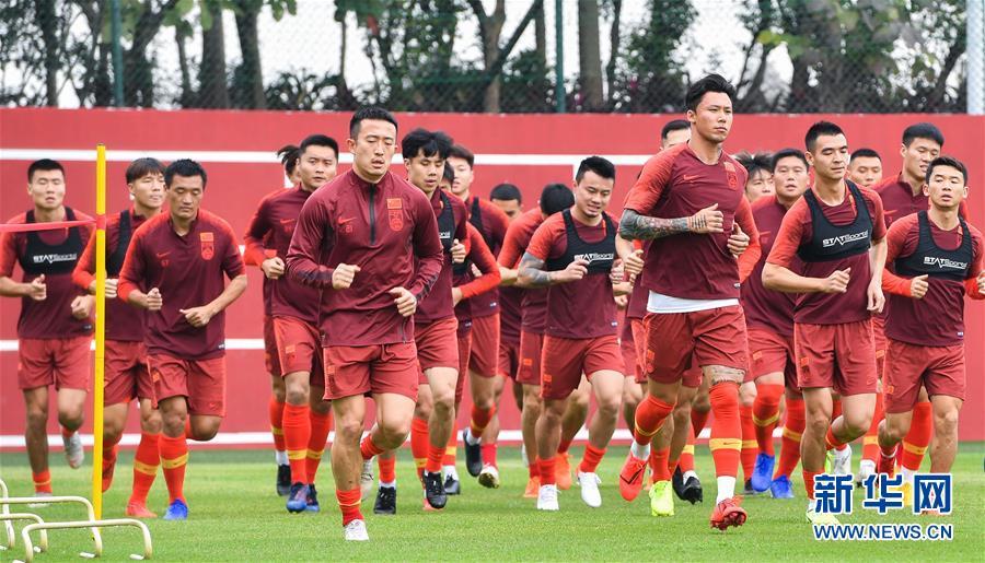 (体育)(1)足球——李铁率领新一届国足首训