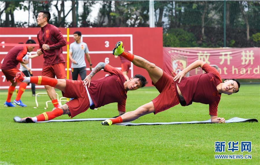 (体育)(15)足球——李铁率领新一届国足首训